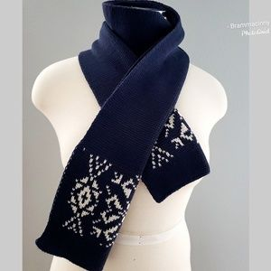 Peregrine Made in England Blue Wool Scarf Wrap